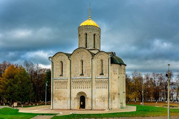 Дмитриевский собор – домовая церковь Всеволода Большое гнездо