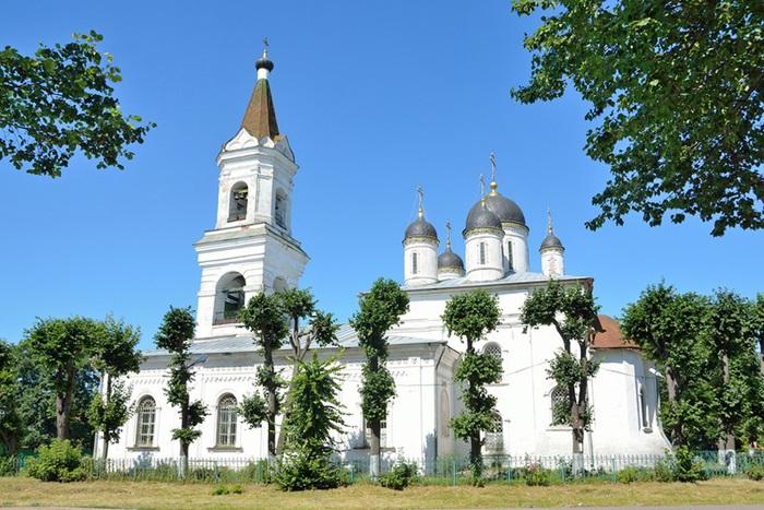 Храм белой троицы в Твери