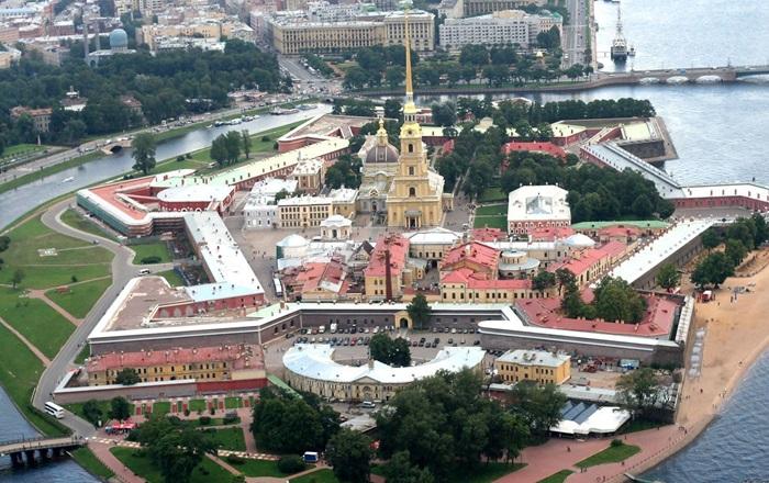 «Петропавловская крепость» с высоты птичьего полета