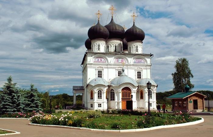 Свято-Успенский кафедральный собор Трифонова мужского монастыря