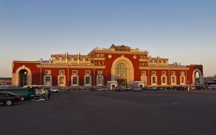 Железнодорожный вокзал в Курске