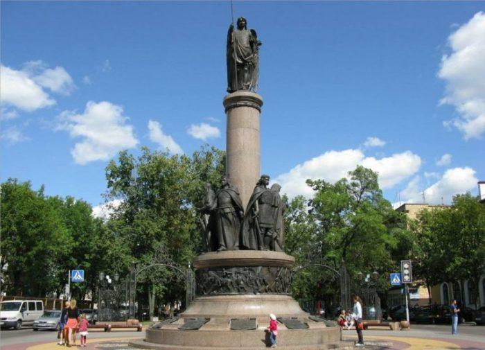 Брест-памятник-1000-летия
