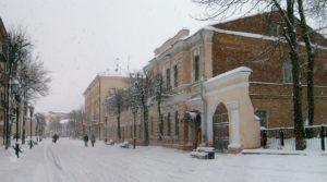 Улица Суворова под снегом
