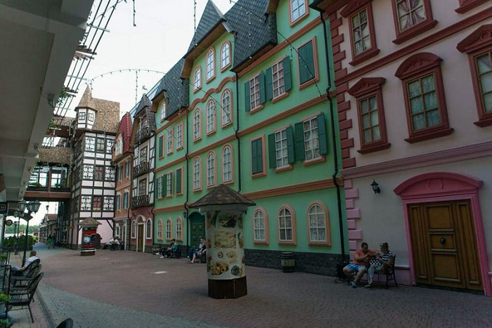 Арт-объект «Улочка старого города в Европе»