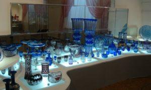 экспонаты музея хрусталя