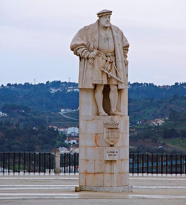 Памятник королю Жуану III