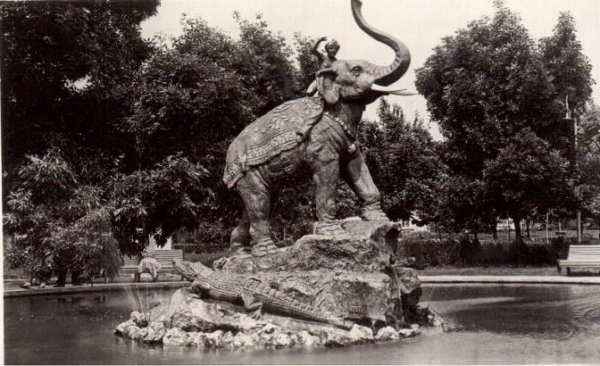Скульптура «Мальчик на слоне»-01