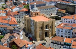 старый кафедральный собор коимбры