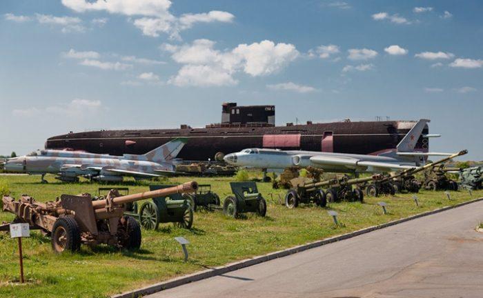 Экспонаты Технического музея – от самолетов до субмарин