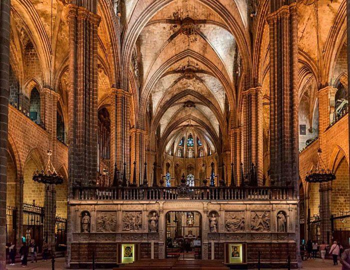 Очень красив и интерьер собора.