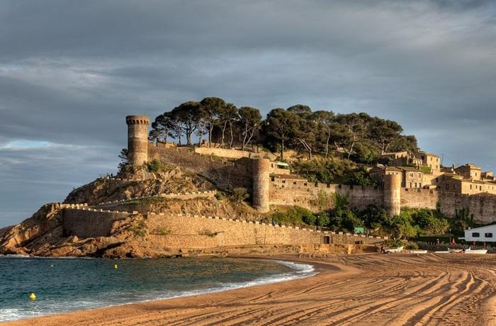 Крепость Vila Vella