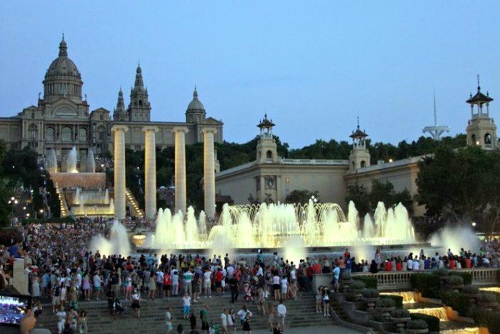 Магические фонтаны Барселоны
