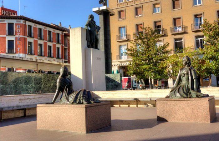 Памятник Гойе и его персонажам