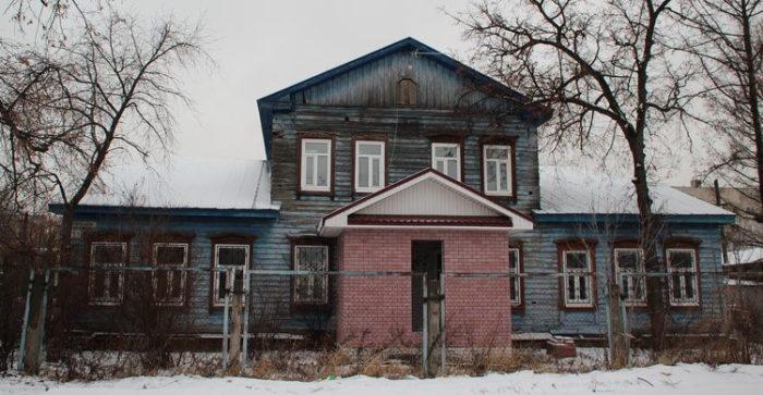 Дом чернорецкой лесной дачи