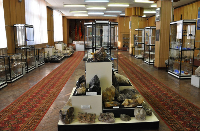 Экспозиции в музее рукотворного камня