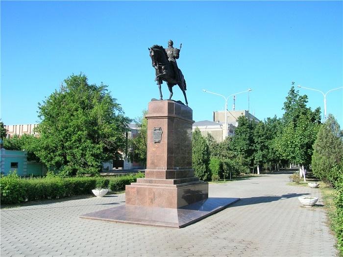 Памятники Матвею Платову