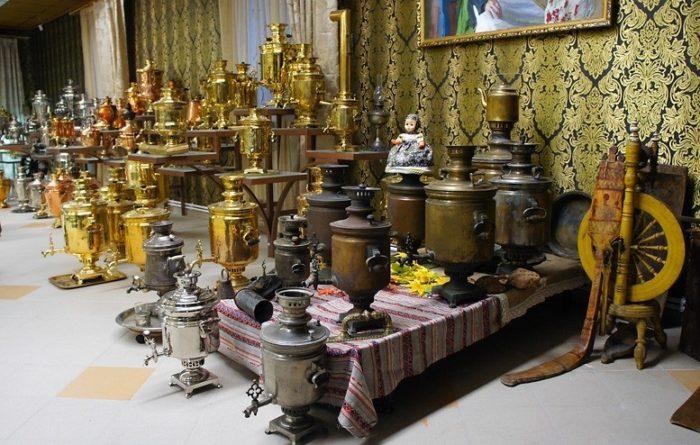 Основа музейной экспозиции – частная коллекция коломенской семьи Буровых.