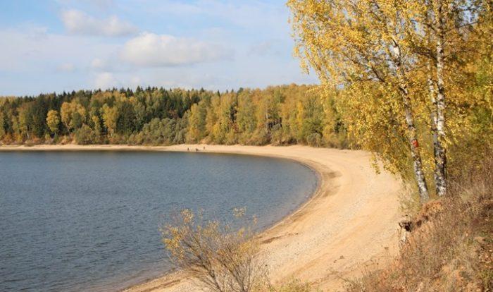 Можайское водохранилище в осенний период