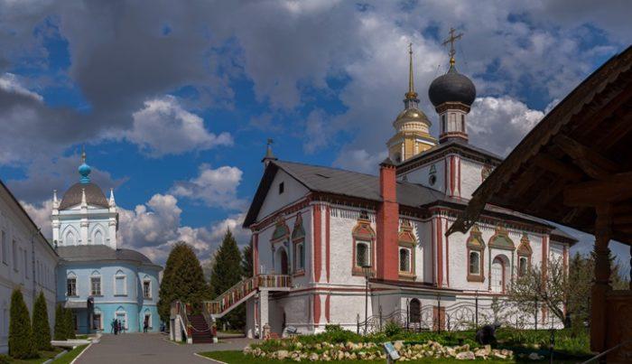 Новоголутвин Свято-Троицкий монастырь