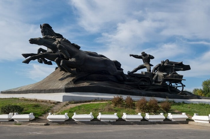 Памятник «Тачанка-Ростовчанка»