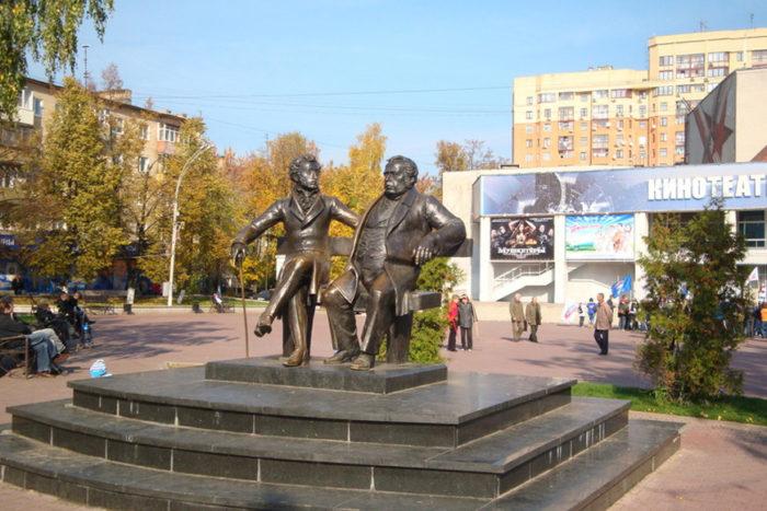 Памятник А.С. Пушкину и И.А. Крылову
