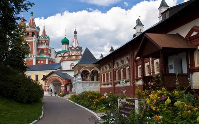 Звенигород: достопримечательности, что посмотреть за один день    Звенигород фото