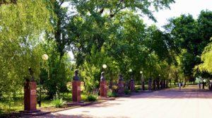 Аллея Героев, мемориальный комплекс и старинная часовня