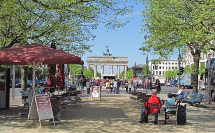 Бульвар Унтер-ден-Линден в Берлине