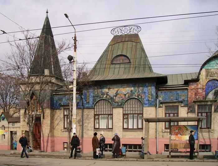 Дом Рафаиловича и другие старинные особняки