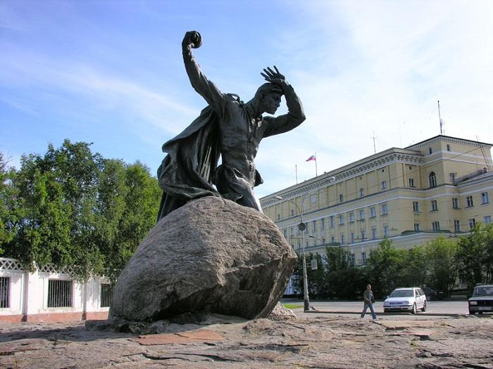 Главная улица Мурманска – проспект Ленина