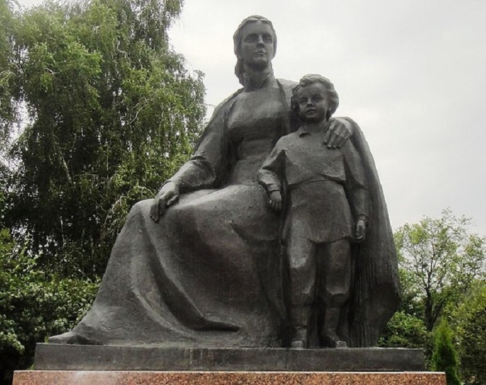 Нижний сад («Пьяный парк») и Верхний сад («Наташкин парк»)-01