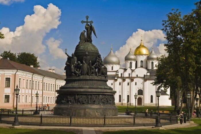Монумент {amp}quot;Тысячелетие России{amp}quot;