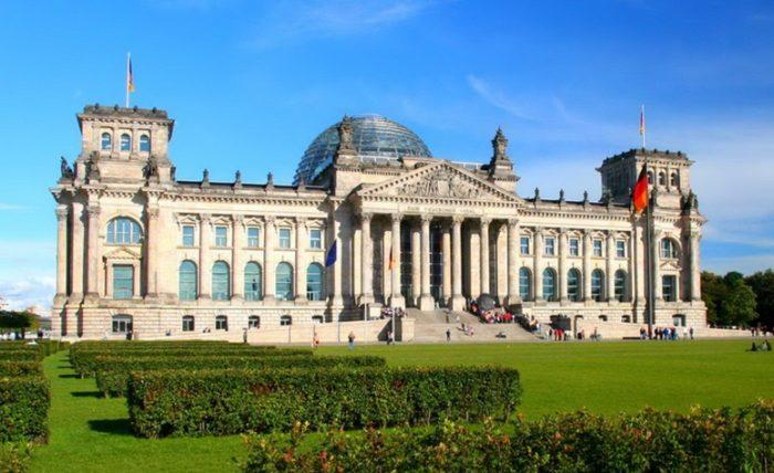 Здание «Государственного собрания» Reichstagsgebäude