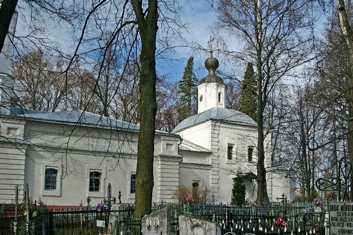 Успенская церковь в усадьбе Демьяново