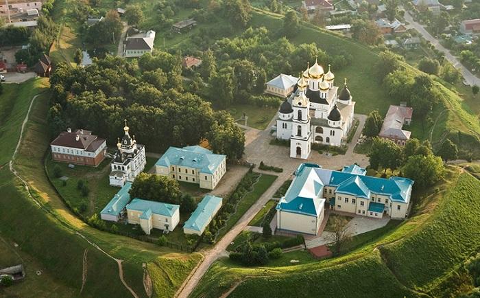 Архитектурный ансамбль «Дмитровский кремль»