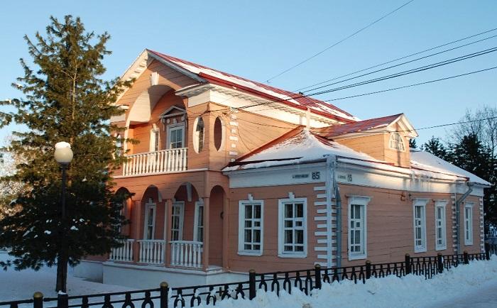 Исторические памятники старой городской застройки XVIII-XX вв.