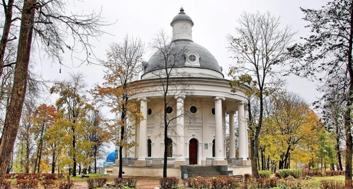 Здание музея колоколов в Валдае