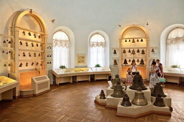 В музее колоколов каждый экспонат, а их большое количество, имеет свою интересную историю, бережно храним для потомков.