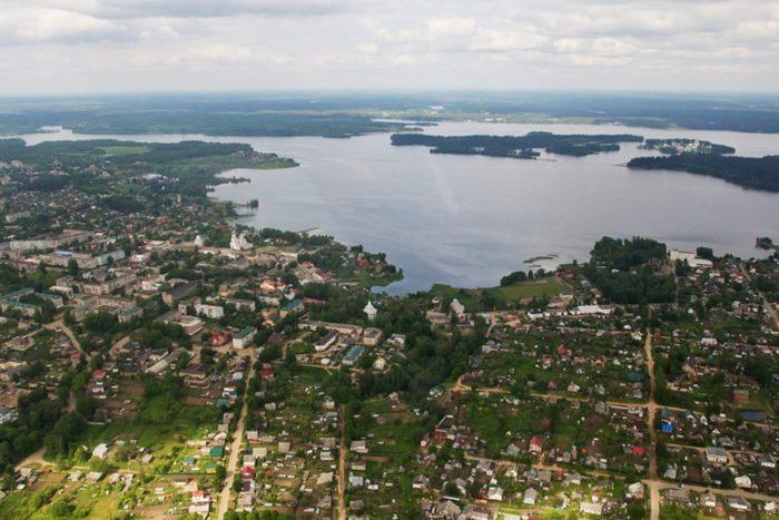 Озеро Валдайское с высоты птичьего полета