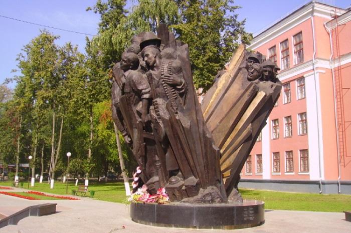 Памятник воинам-воскресенцам, погибшим в «горячих точках»