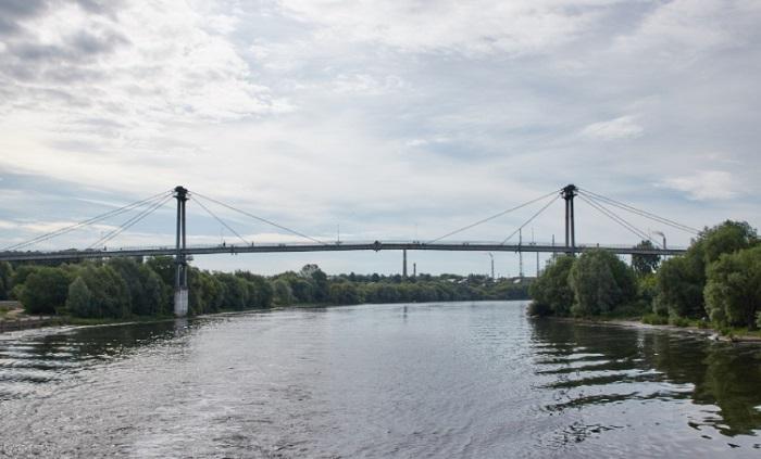 Пешеходный мост через Москва-реку