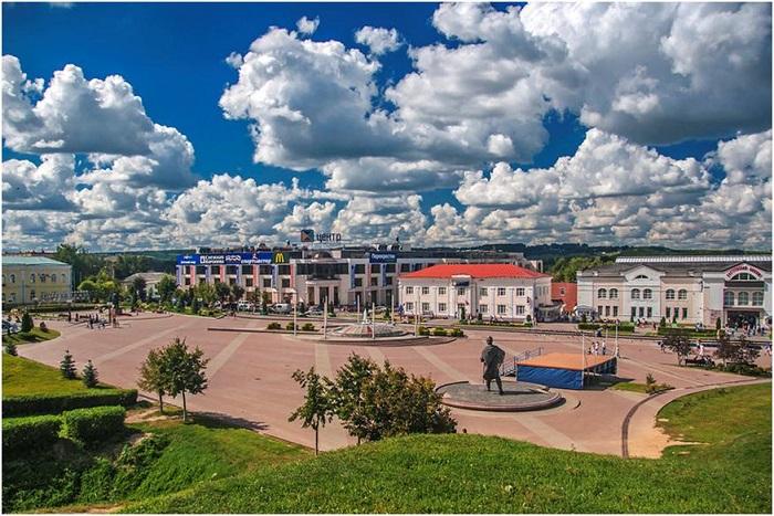 Советская площадь (бывшая Верхняя торговая)