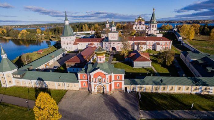 Валдайский Иверский Святоозерский православный мужской монастырь