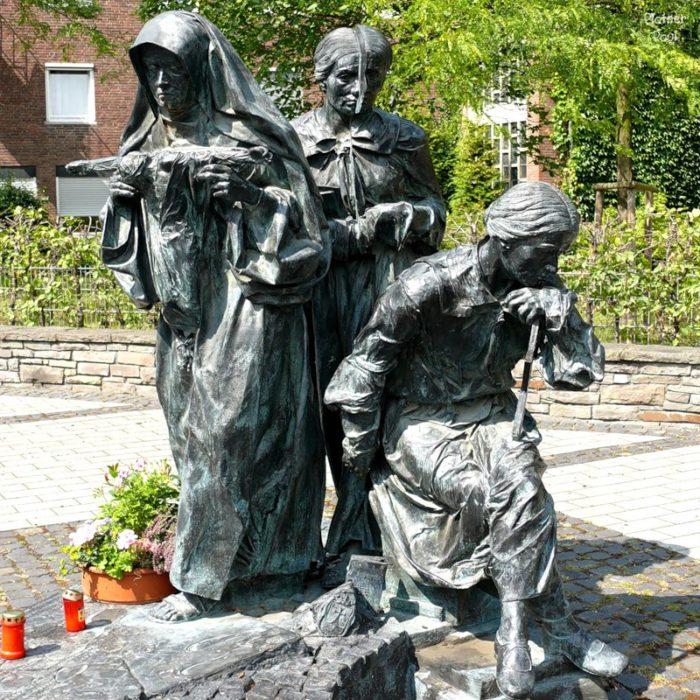Памятник Эдит Штайн