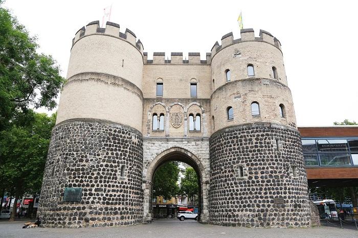 Ворота Ханенторбург