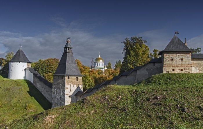 Крепость Псково-Печерского монастыря