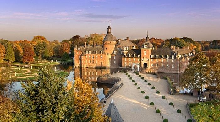 Замок-отель «Вассербург-Анхольт»
