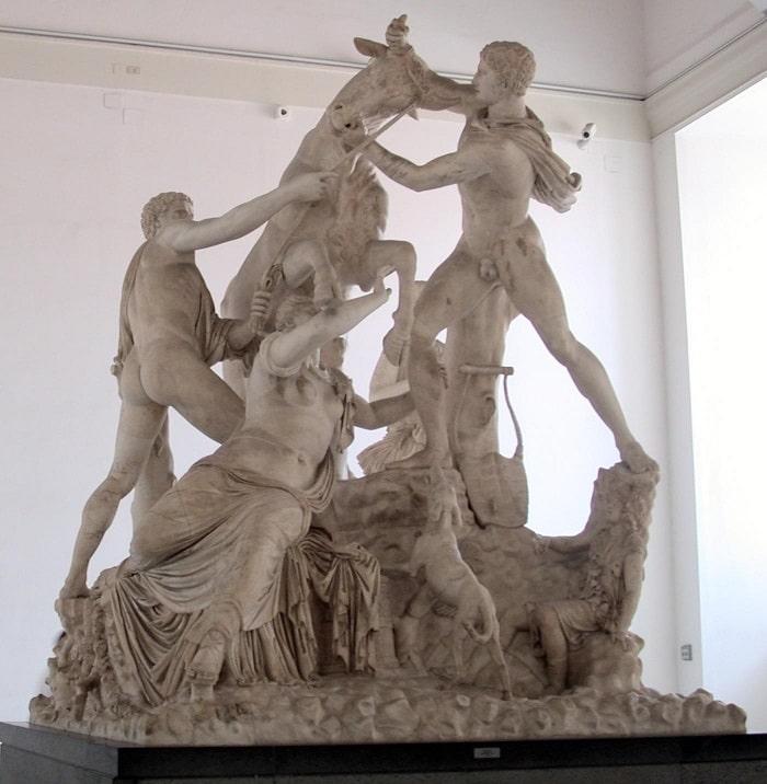 Скульптурная композиция Фарнезский бык