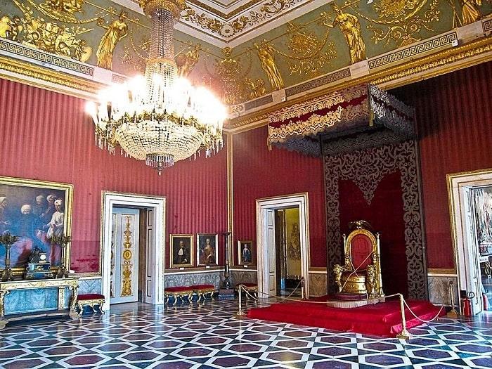 Тронный зал Королевского дворца