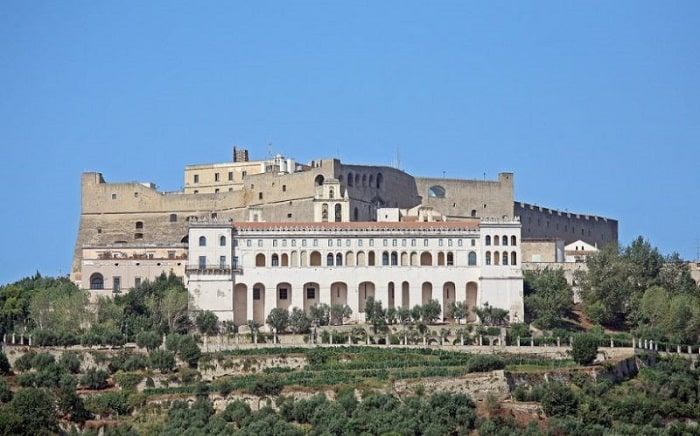 Замок-крепость Кастель-Сант-Эльмо